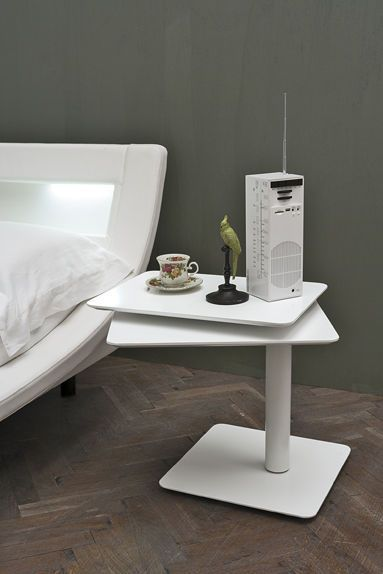 table de chevet contemporaine en m tal en bois twist target point new chevet pour lit. Black Bedroom Furniture Sets. Home Design Ideas