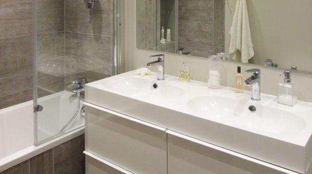 aménagement petite salle de bain avec wc - Recherche Google Salle