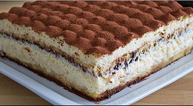 Ovo Je Original Recept Za Najpoznatiju Italijansku Poslasticu Tiramisu Desserts Famous Desserts Tiramisu