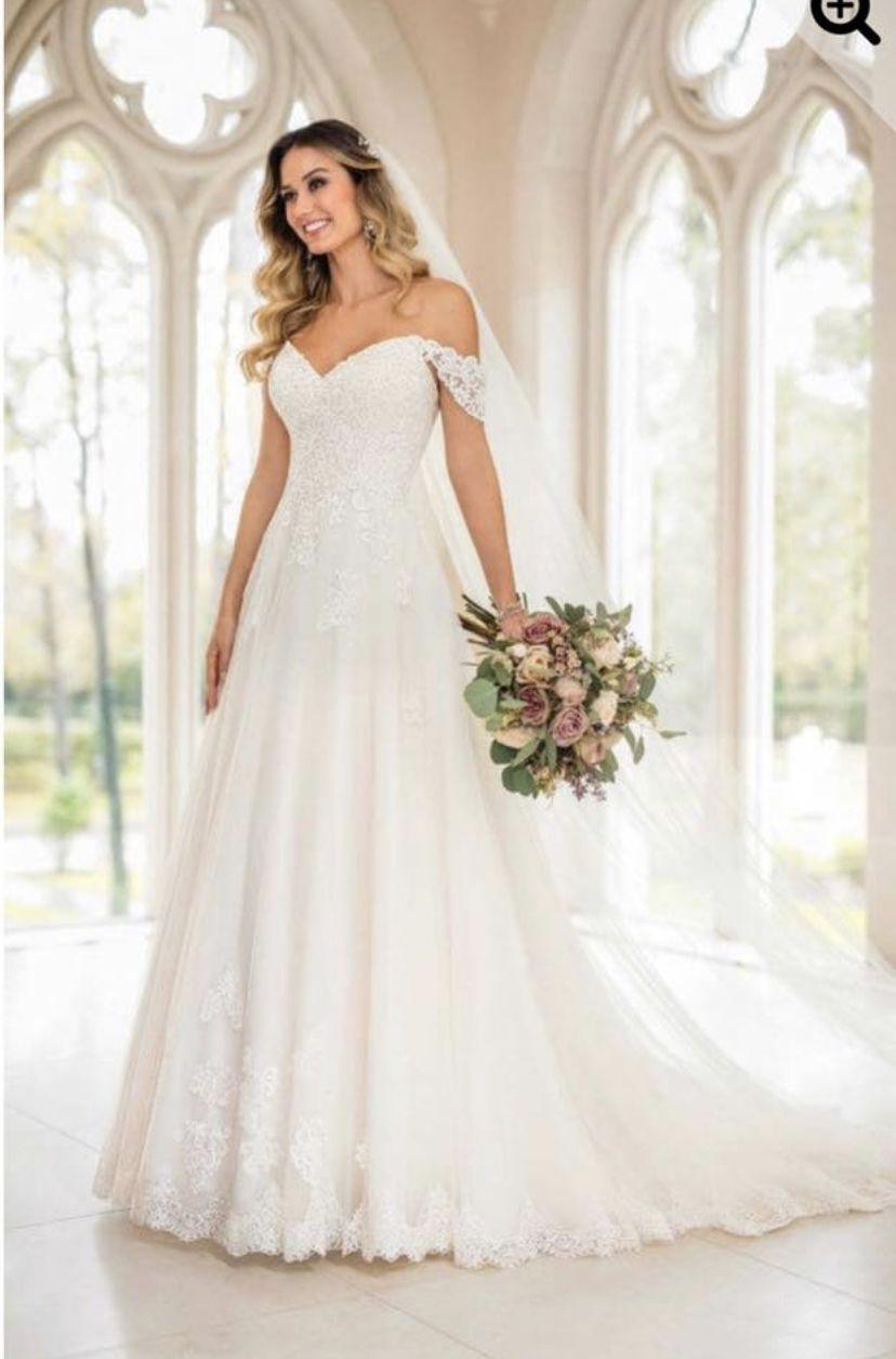 Stella York A Line Wedding Dress Sold Elsewhere Only Dream Dresses Wedding Dresses Unique Wedding Dresses Lace Preloved Wedding Dresses [ 1255 x 828 Pixel ]