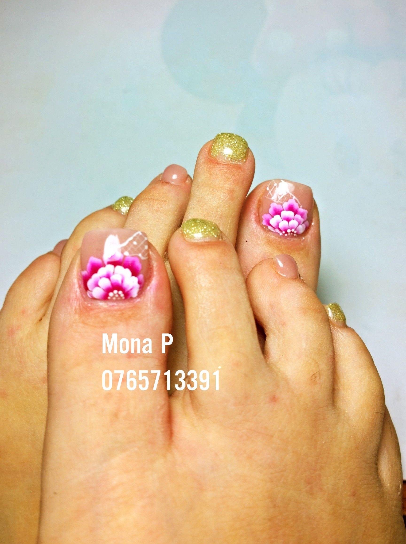 Pedicure Flower Nail Art