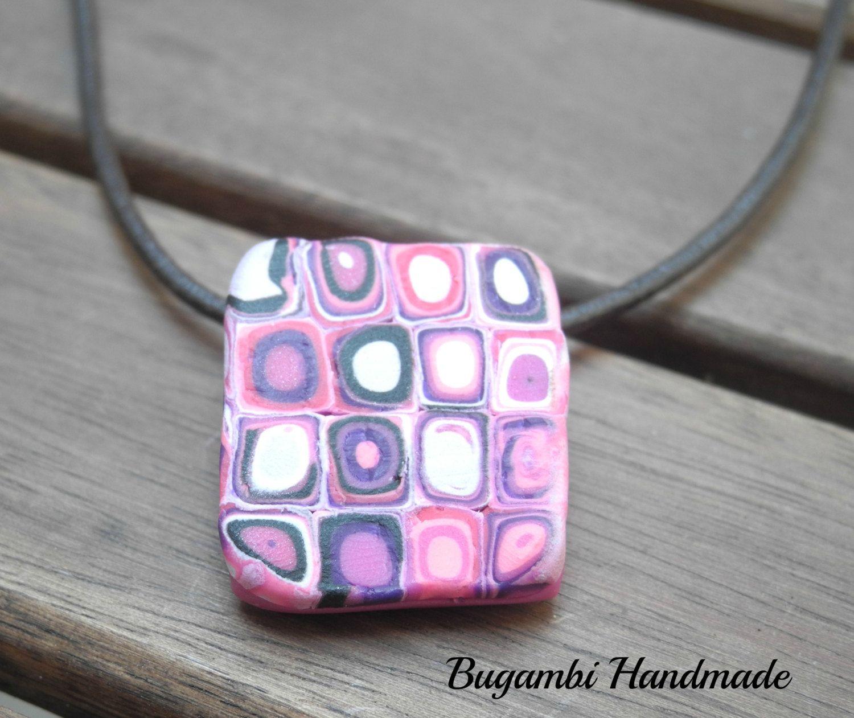 EXCLUSIVE Retro Pendant Polymer Clay, EXCLUSIVO Colgante Retro de Arcilla Polimérica, Pink Pendant, Colgante Rosa, Original Jewerly de BugambiHandmade en Etsy