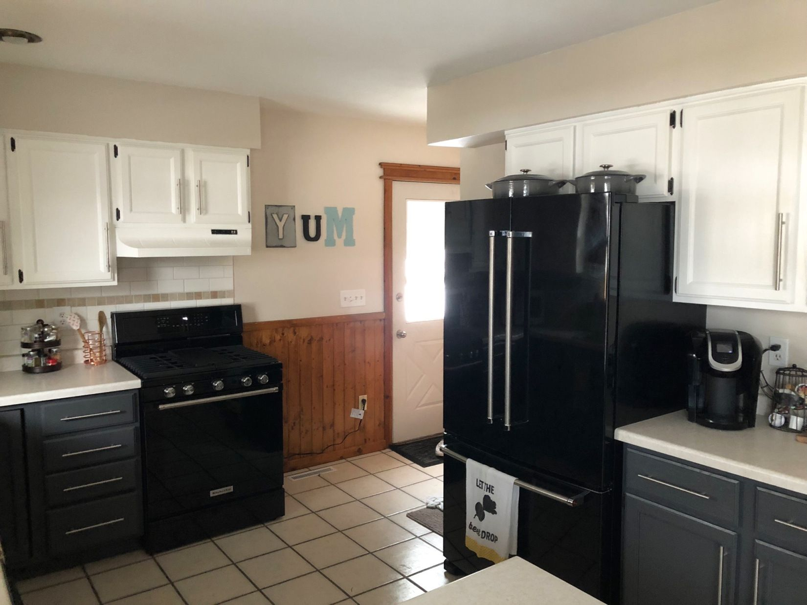 Before And After Diy Kitchen Remodel Modern Painted Cabinets In A Two Tone Finish Simple Kitchen Remodel Cheap Kitchen Remodel Inexpensive Kitchen Remodel