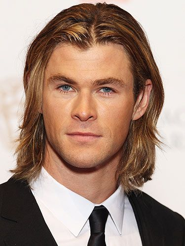 Pin By Jennifer Bolanos Lopez On Chris Hemsworth In 2020 Long Hair Styles Men Long Hair Styles Chris Hemsworth
