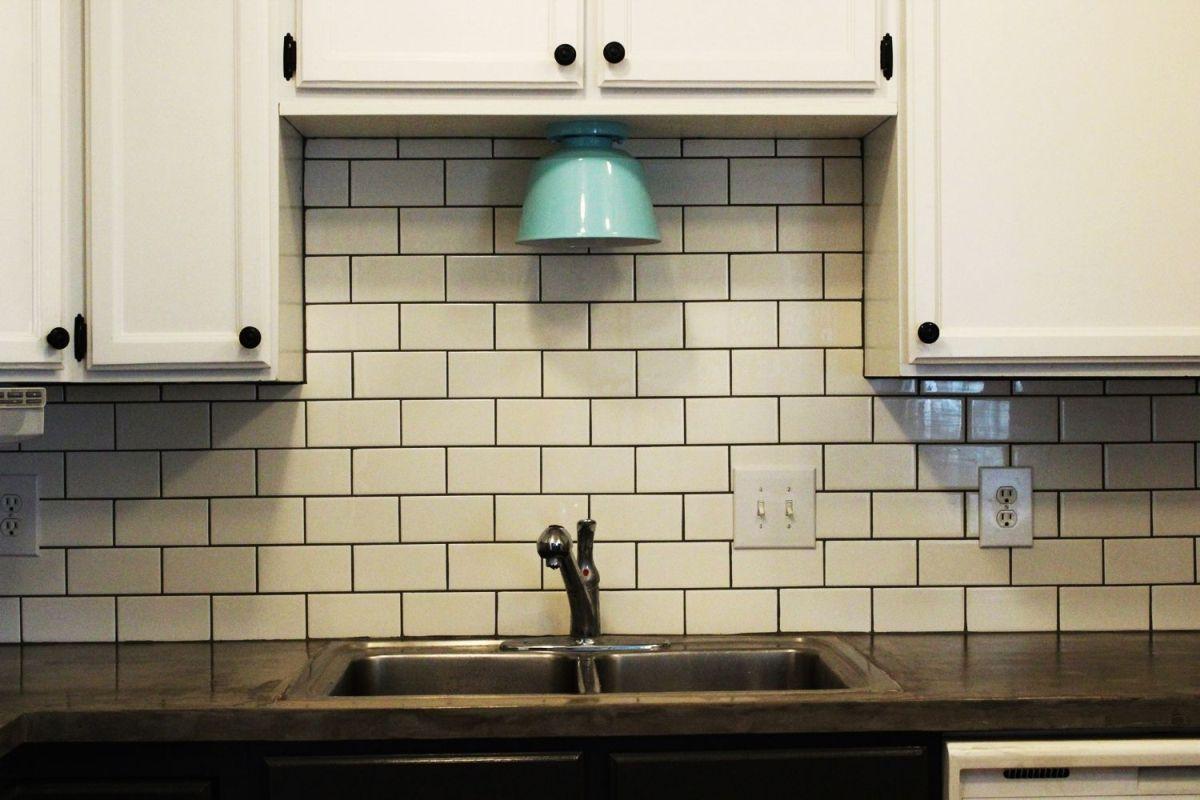 Fabulous Subway Tile Backsplash Idea Colorless Vs Colorful Http