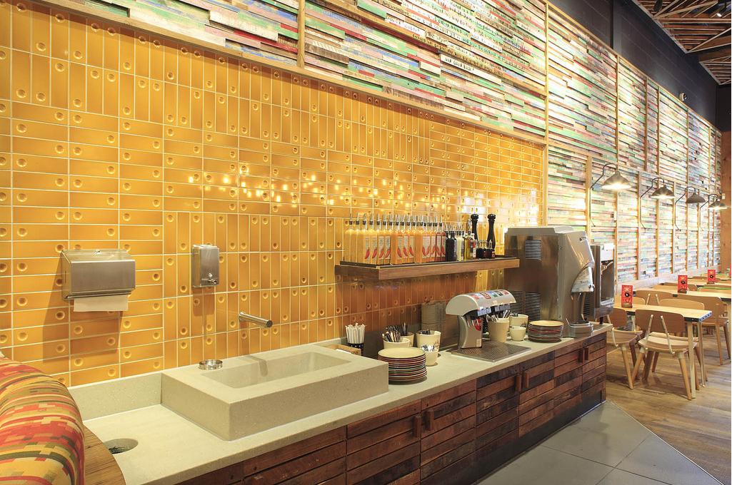 Mustard Color Tiles In Restaurants Google Search タイル キッチン