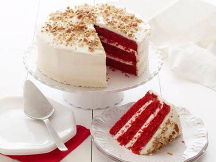 Red velvet cake Christmas nenu dinner