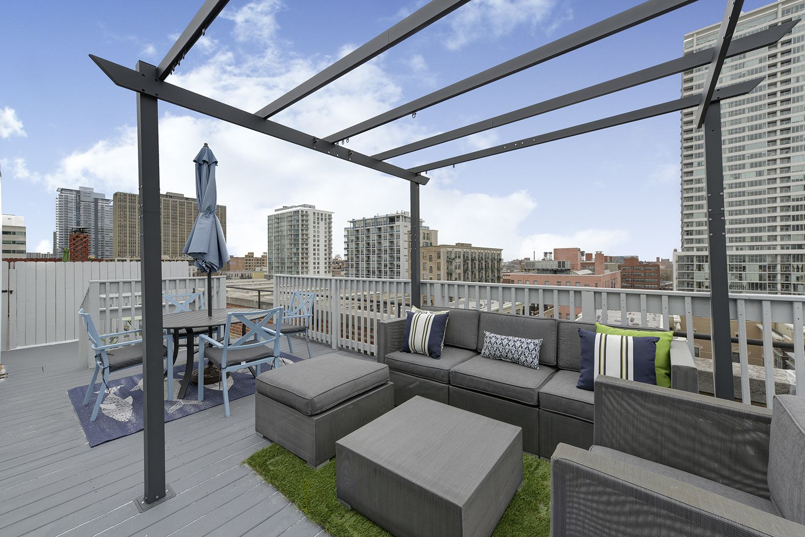 Modern Rooftop Deck In South Loop Chicago Featuring A Black