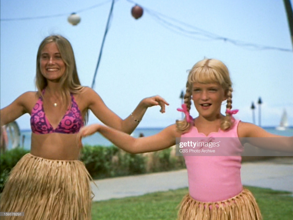 Maureen Mccormick As Marcia Brady And Susan Olsen As Cindy Brady In Maureen Mccormick Brady Kids Marsha Brady