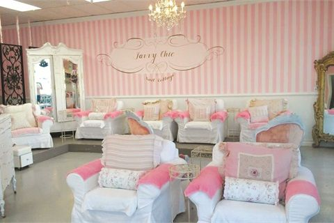 The theme s the thing savvy chic nail cottage business for Salon shabby chic