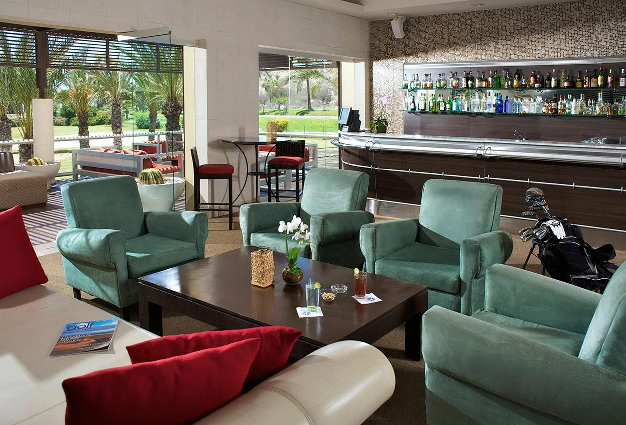 The Club House at Vidanta Los Cabos is the perfect spot for an afternoon cocktail!
