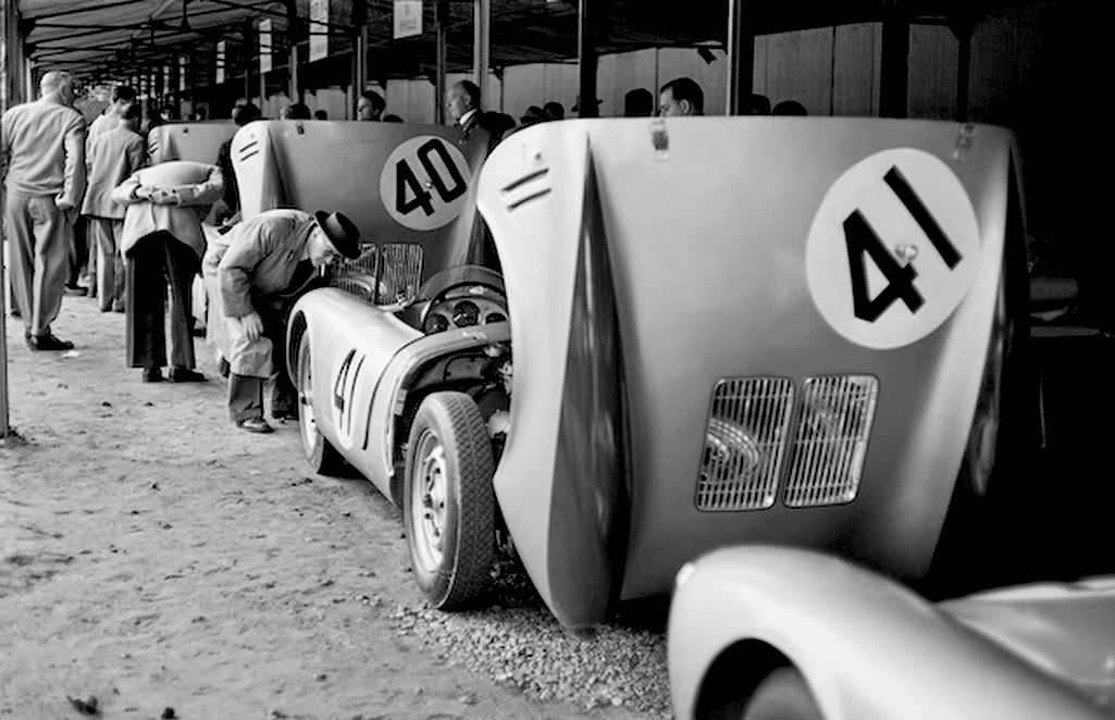 1954 .. Le Mans , Entered by Porsche KG .. Neither No.40 or 41 finished due to engine failure .