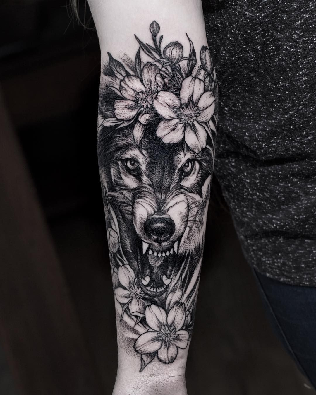 Wolf Tattoo Meaning and Symbolism Black work, Wolf and
