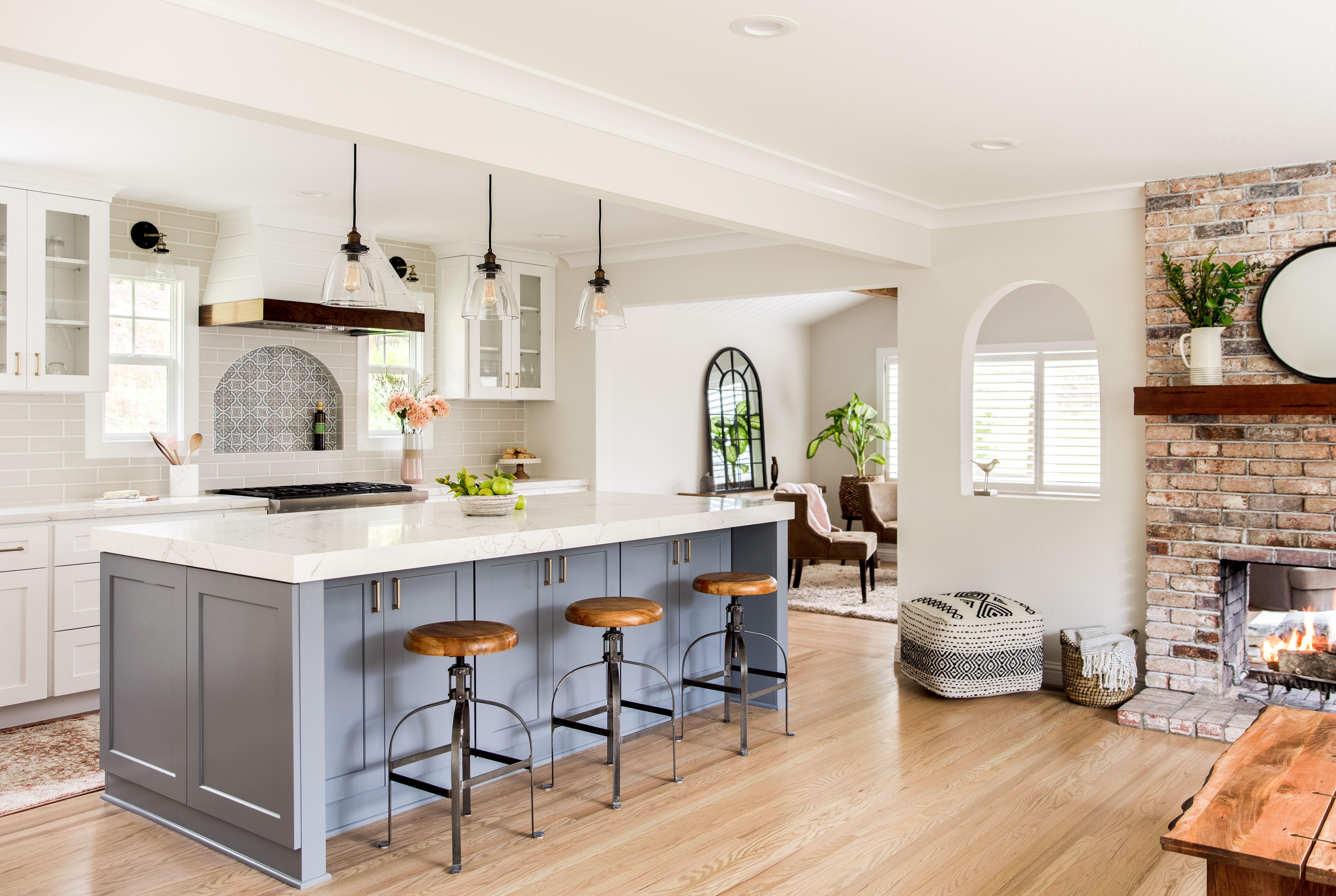 Modern Farmhouse, blue kitchen island, pendants, light