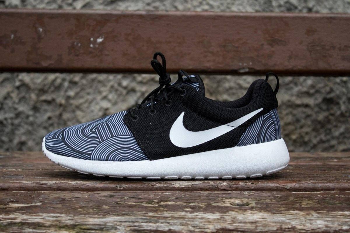 nike roshe one print black white shark cornerstreet fr nike nike roshe one print black white shark cornerstreet fr