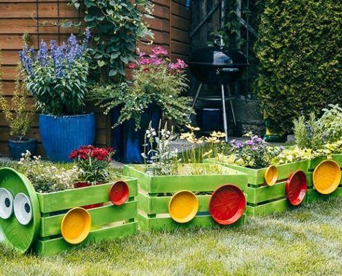 Pin Von Ariana Kogstadt Auf Hochbeet Blumenbeet Spielplatz Kinder Naturspielplatze