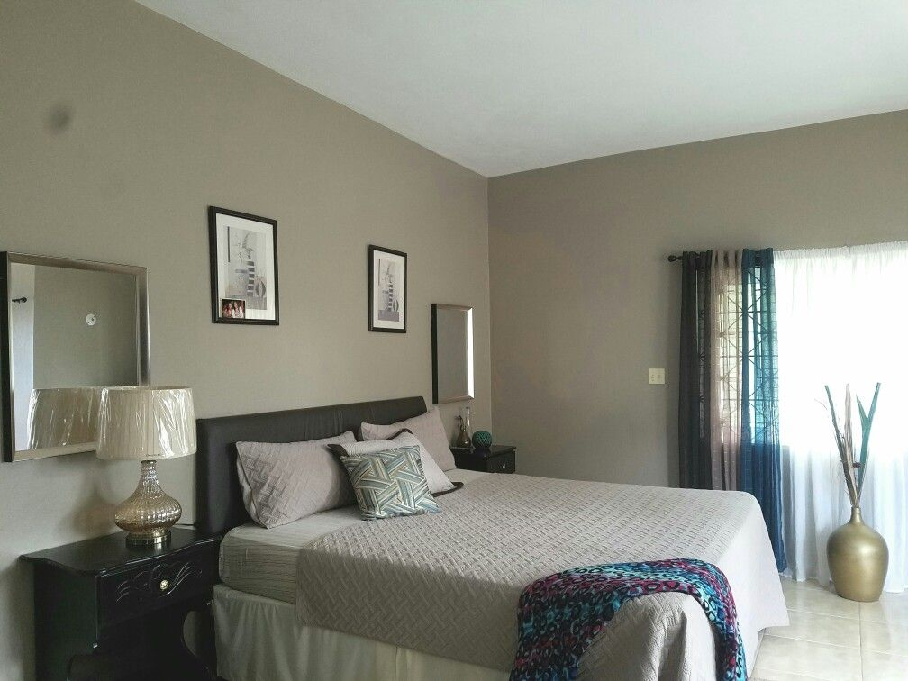 Neutral bedroom ideas with pop of color   Neutral bedrooms ...
