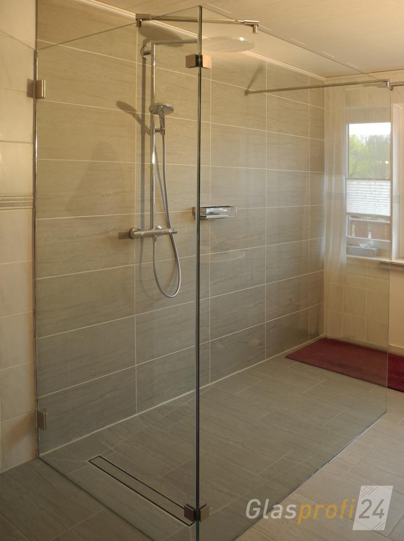 Große WalkIn Dusche mit Klarglas und Wandwinkeln Walk