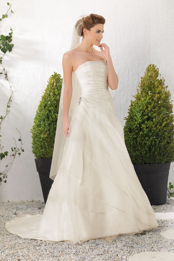 robe de mariee riyad point mariage - Point Mariage Herblay