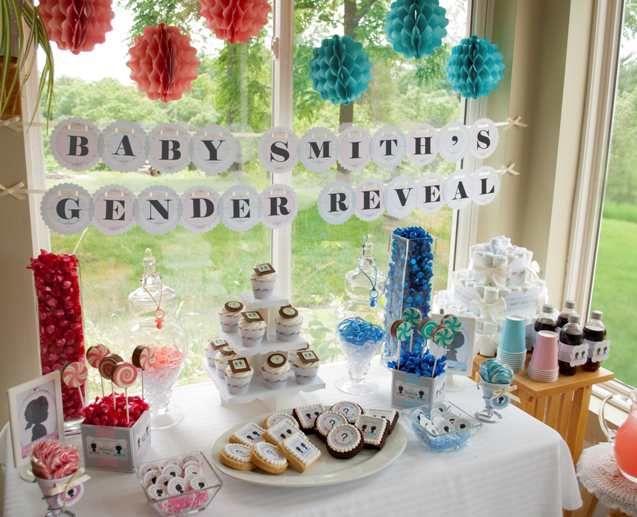 gender reveal table setup