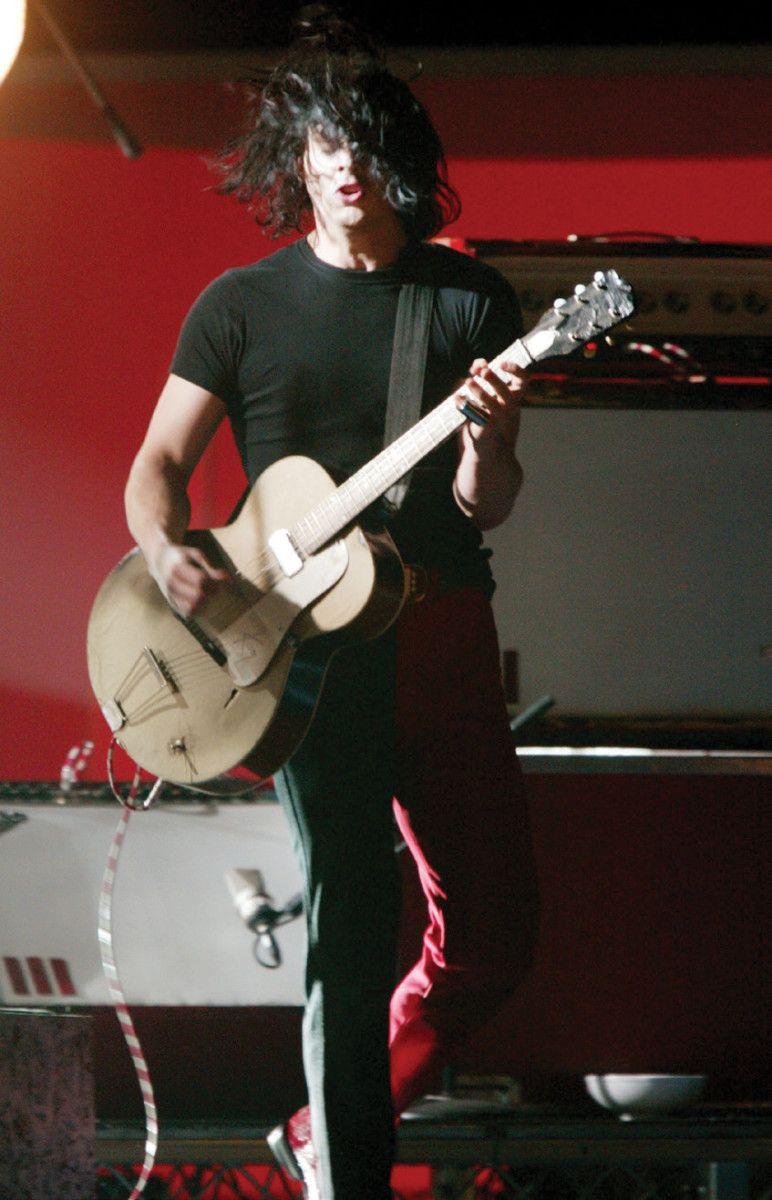 The Secrets Behind Jack Whites Guitar Sound On The White Stripes