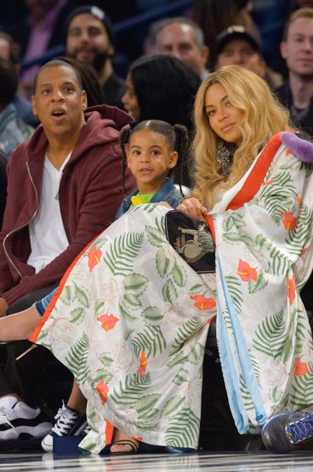 6a2499df45c Beyoncé, Jay Z, and Blue Ivy attend the 2017 NBA All-Star Game on ...