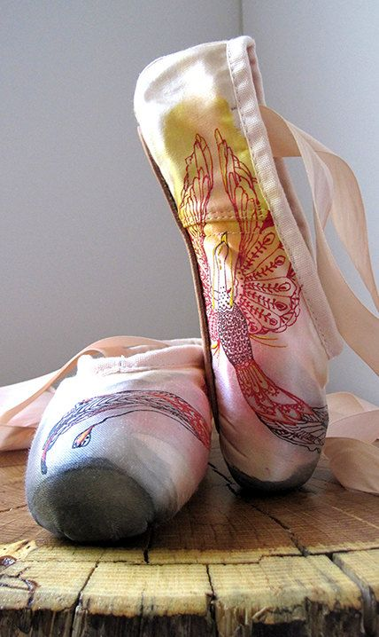Mehndi Pointe Shoes Hand Dyed and Painted by KiteFlyerArt on Etsy!