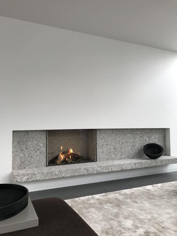 45+ Beautiful Contemporary Fireplace Design Ideas / FresHOUZ.com #modernfireplaceideas