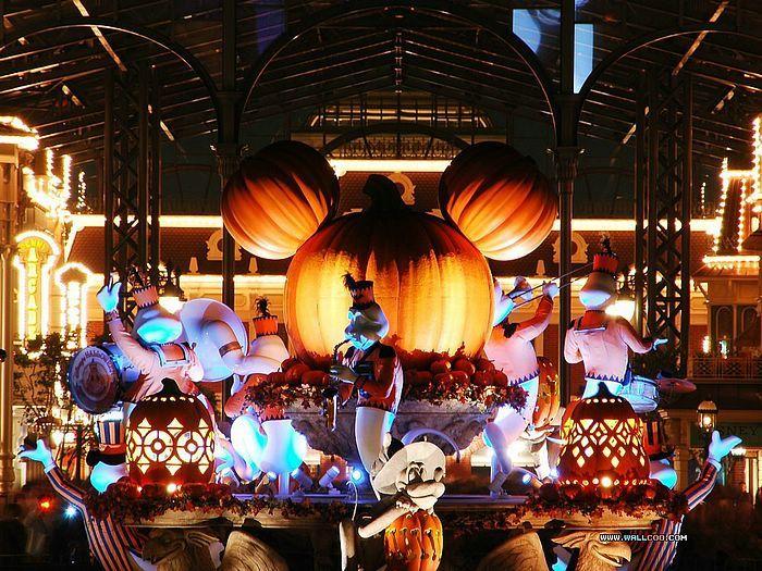 Disneyland Halloween Photo Tour - Kooky Spooky Halloween Night