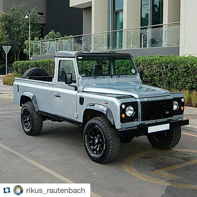 Land Rover Defender 110 Td5 pick-up  So nice style    Nothin