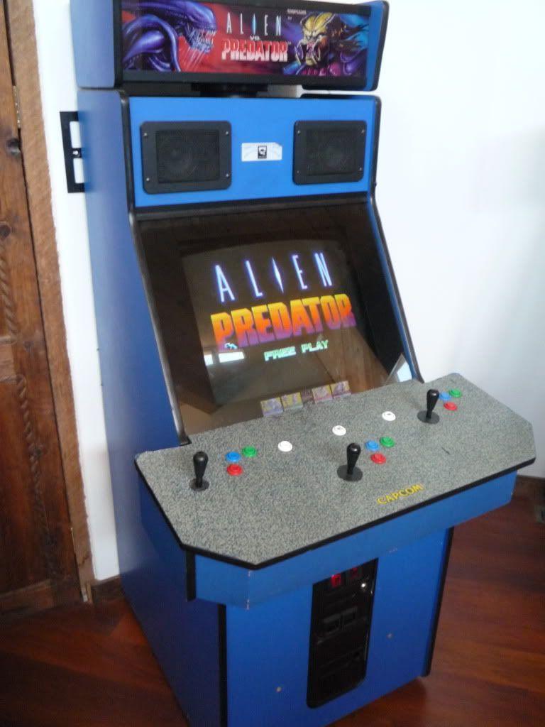 Alien vs Predator arcade cabinet from 1994. | Video Gaming in the ...