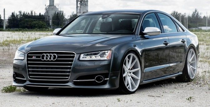 Audi S8 on Vossen VFS1
