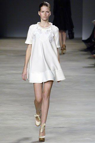 Chloé Spring 2006 Ready-to-Wear Fashion Show - Michaela Hlavackova