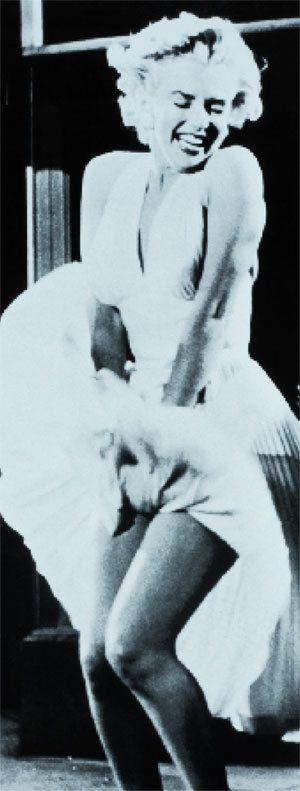 Knitted Marilyn Monroe Doll (Free Pattern) #greekstatue