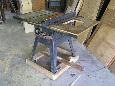 table saw mobile base diy version woodworking table saw in 2018 pinterest werkzeuge. Black Bedroom Furniture Sets. Home Design Ideas