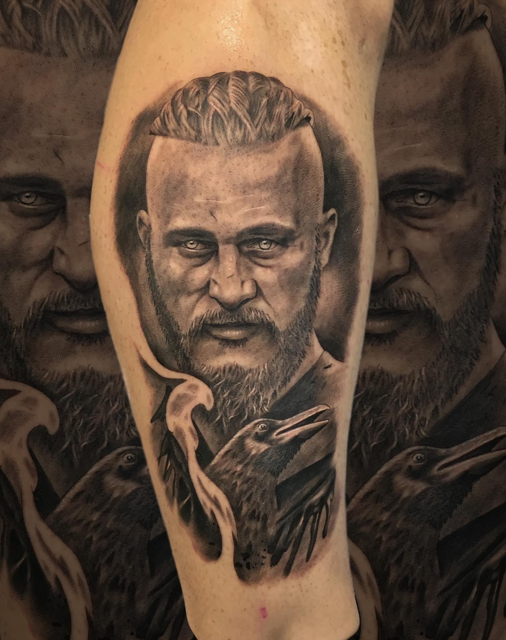 Ragnar lodbrok vikings vikingos tattoo ragnar for 333 tattoo meaning