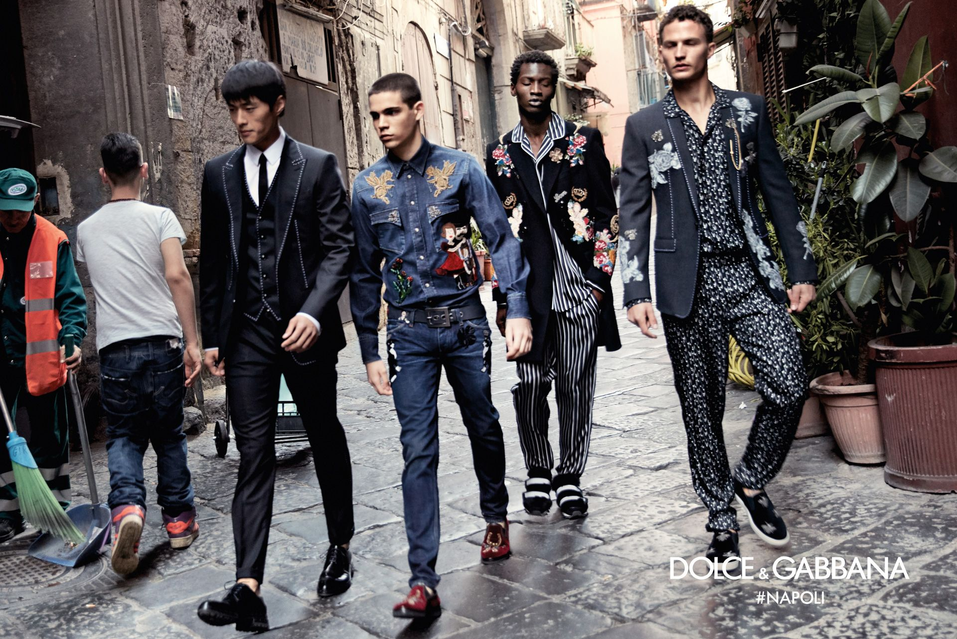 7acac164 See the images and find out about the inspiration behind the Dolce&Gabbana  FW 2016-2017 Advertising Campaign in Naples shot by Franco Pagetti.