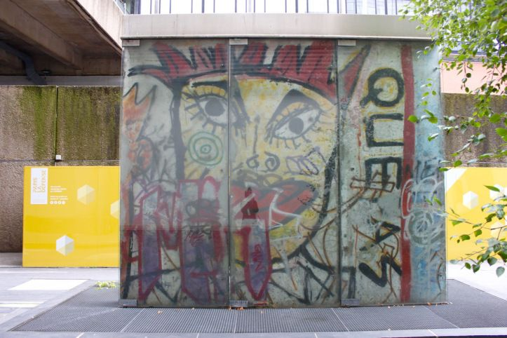 the Berlin wall in Paris