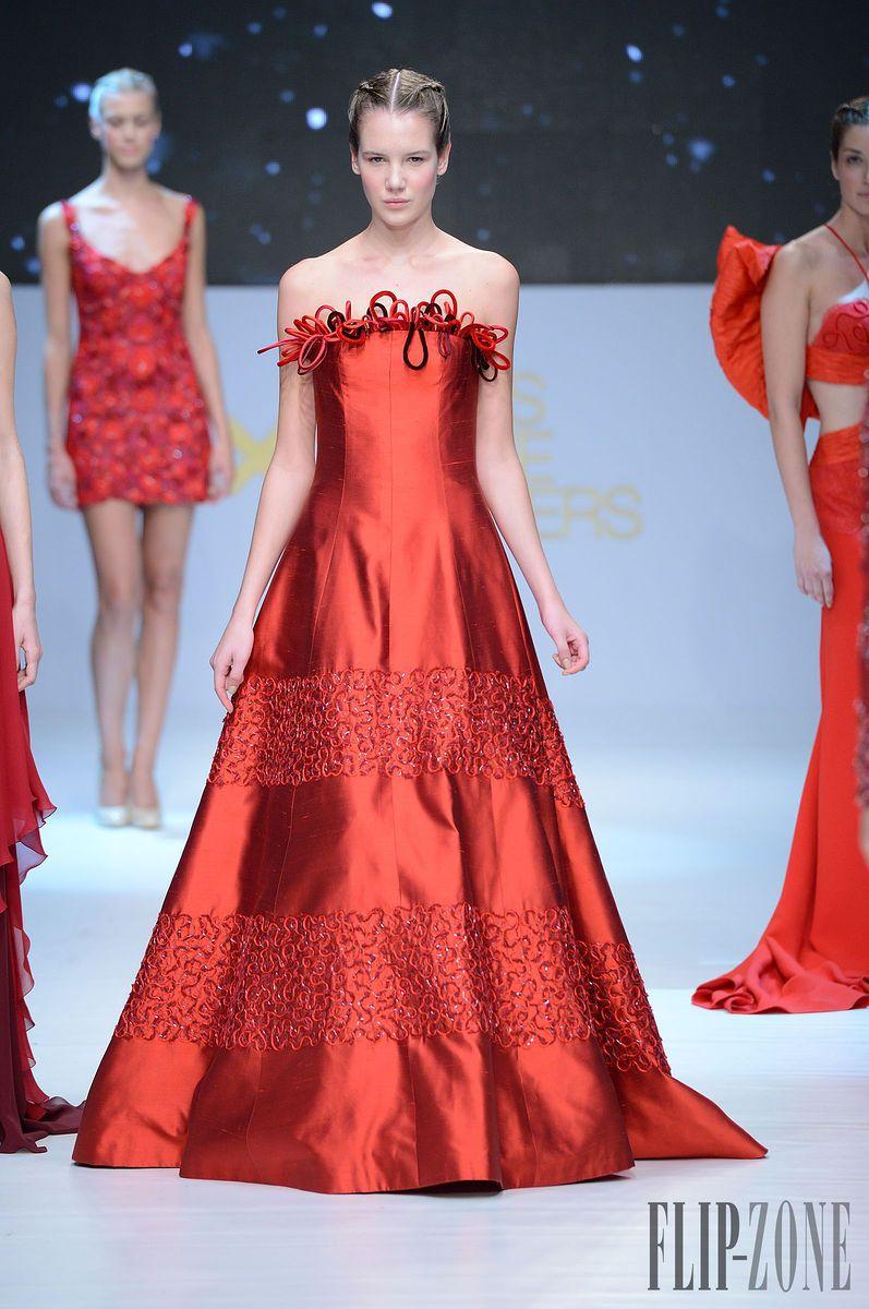 "Faliakos by Petridis - Couture - ""Red"", S/S 2014 - http://www.flip-zone.net/fashion/couture-1/independant-designers/faliakos-by-petridis-4276 - ©PixelFormula"