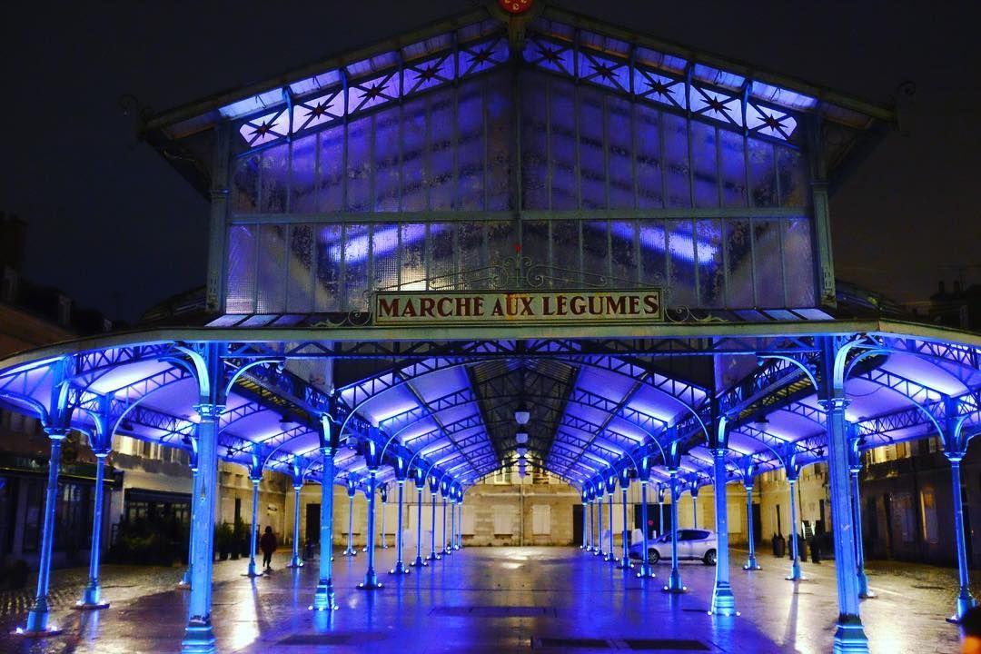 Night market  #Chartres #placebillard #night #blue