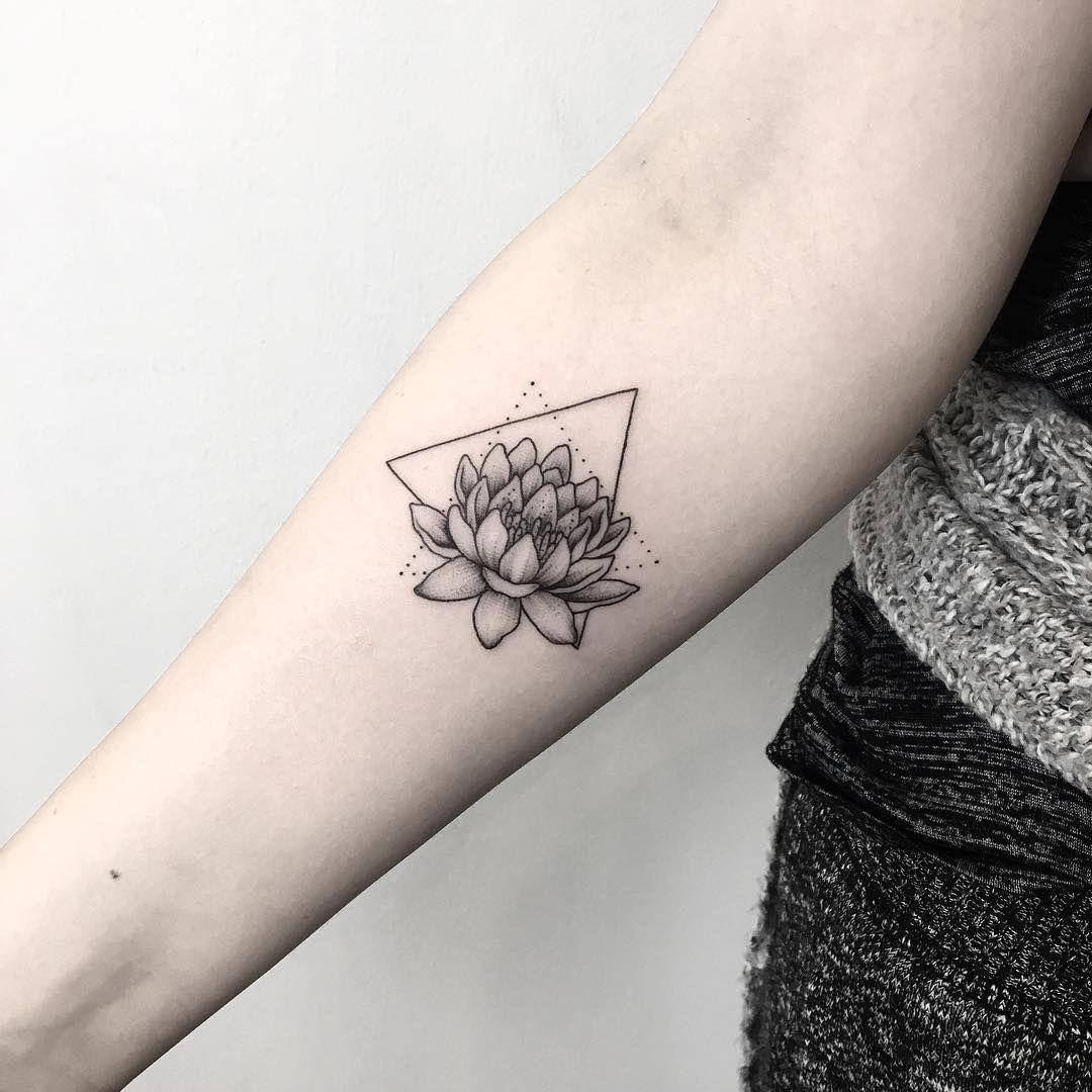 Small Lotus Dotwork Dotworktattoo Lotus Lotustattoo Lotusflower Lotusflowertattoo Triangletattoo Smalltatt Small Wrist Tattoos Tattoos Succulent Tattoo