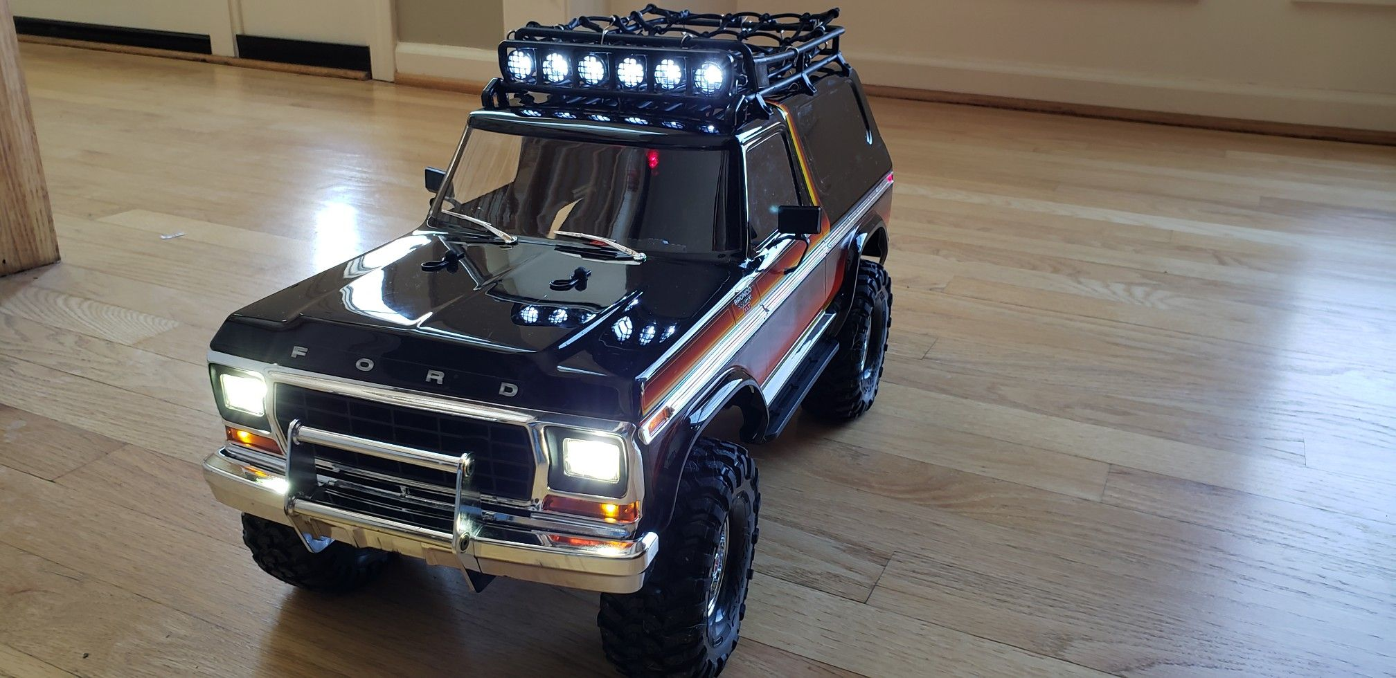 Got The Roof Rack And Cargo Net Installed Today With 1 10 Accessories On Thier Way Going Super Scale On This Traxxas Trx Traxxas Ford Bronco 1979 Ford Bronco