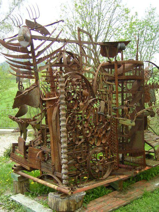 kunst aus schrott raw metal sculptures schrott und kunst. Black Bedroom Furniture Sets. Home Design Ideas