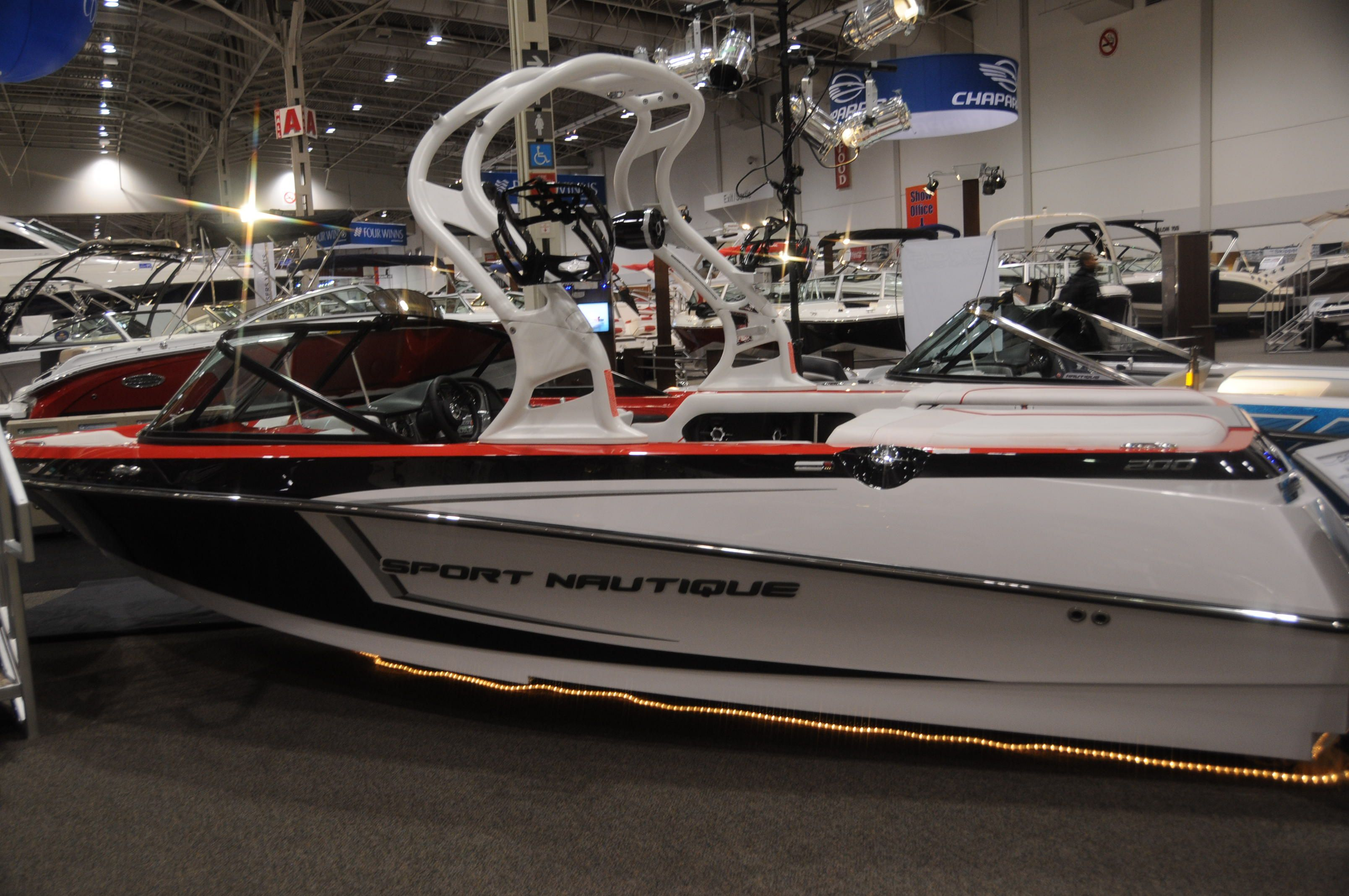 Sport Nautique 200 How Do You Like Those Colours Boat Paint Boat Boat Wraps