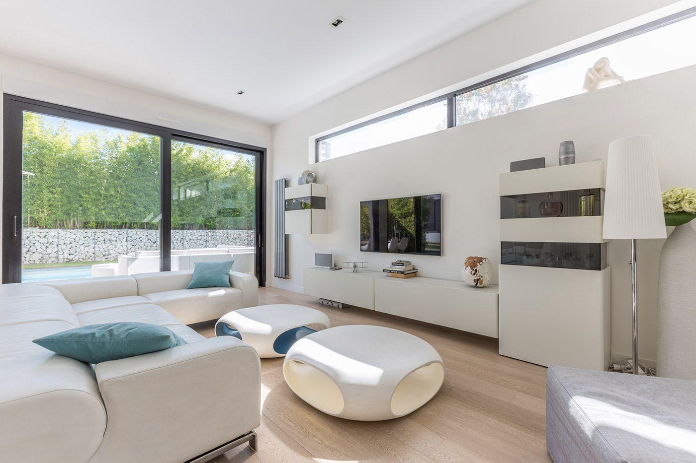 Architecture épurée et design minimaliste pour une maison ossature bois du groupe futura la maison bois par maisons bois com