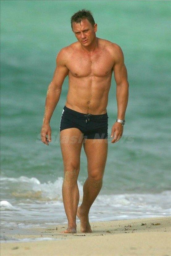 a94ca35fd8 Daniel Craig………