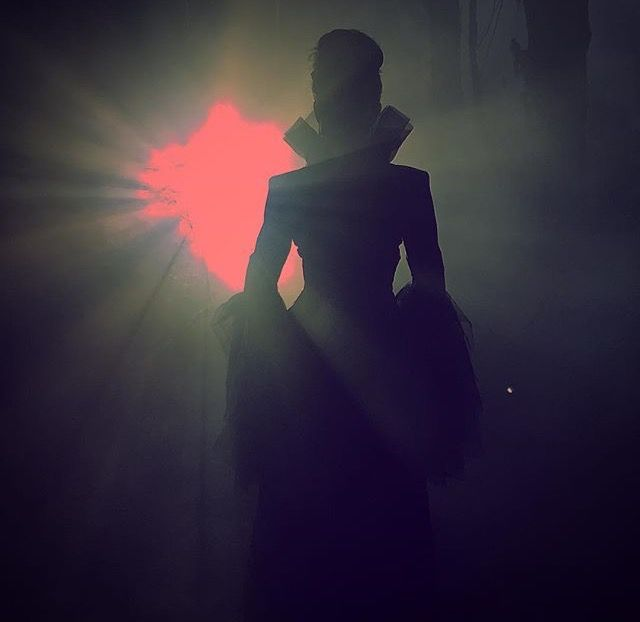 This Evil Queen Back