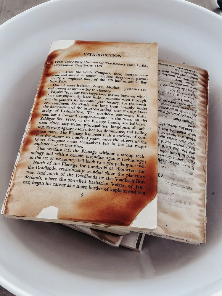 How To Age Books Diy Craft Ideas Book Wall Antique Books