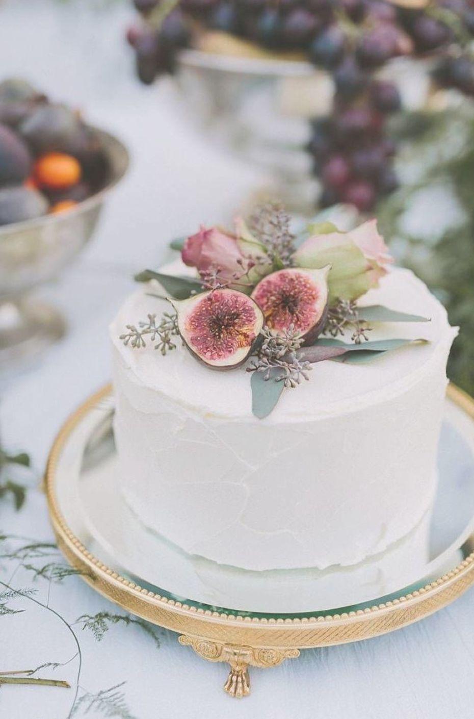 Small Wedding Cake Ideas A Practical Wedding Simple Wedding Cake Wedding Cake Stands Modern Wedding Cake
