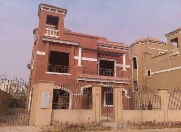 عقار ستوك فيلا للبيع بالتجمع الخامس 580م فى كمبوند ايتوال دوفيل New Cairo City Cairo City House Styles